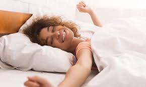 bere acqua prima di dormire fa dimagrire