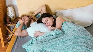 dormire abbracciati dopo aver fatto l amore