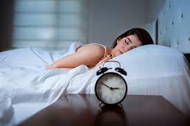 dormire con gli occhi aperti cause