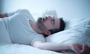 dormire con la bocca aperta cause