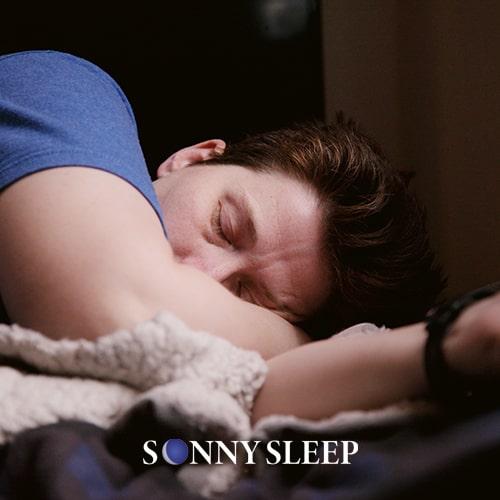 Dormire sul divano: 1 riposo non appagante